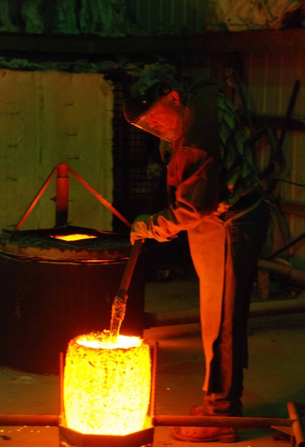 bronze pour cleaning a